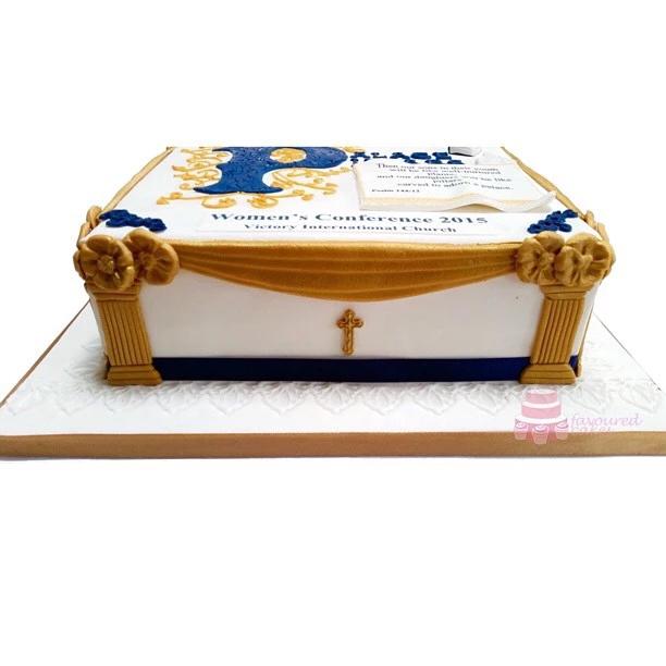 Palace Pillars Cake