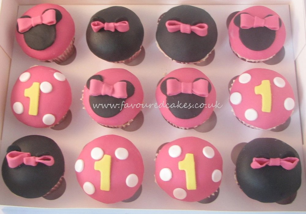 Fuchsia Minnie Mouse Cupcakes