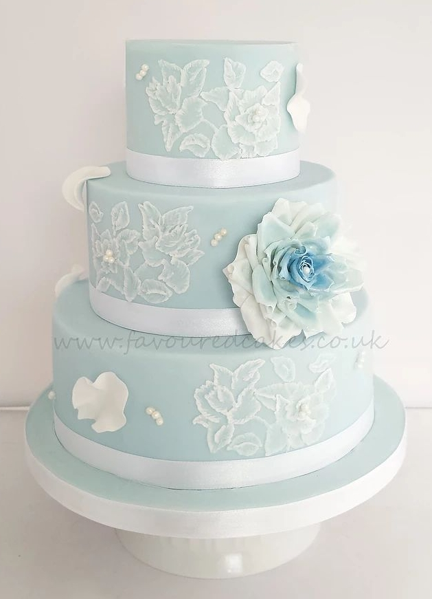 Blue Lace Embroidery Wedding Cake