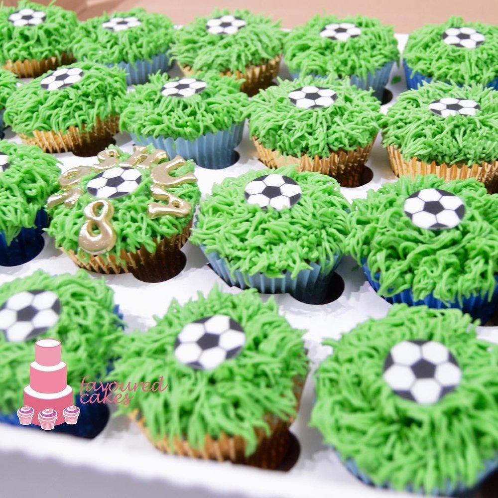 Football Grass Cupcakes