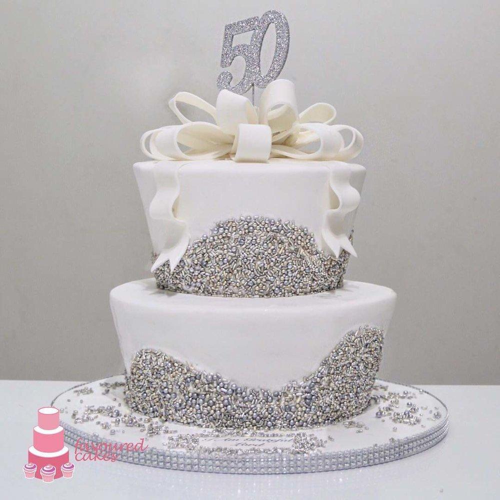 Sparkle Jardiniere Bow Cake