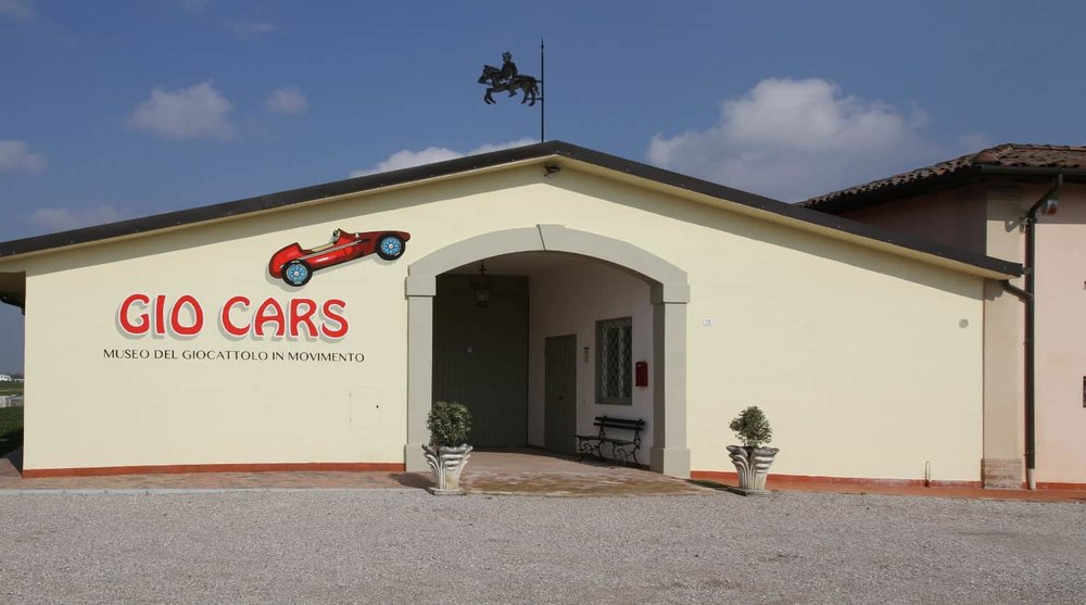 Facciata del museo Giocars: Museo del giocattolo in movimento