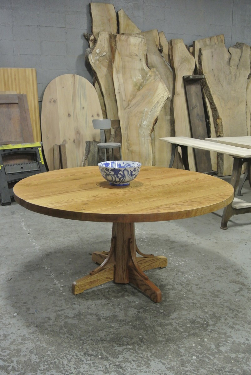 Round Oak Table on a Wooden Pedestal.