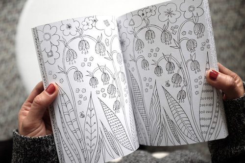With A Fresh New Graphic Look This Book Includes Intricate Patterns To Colour In And Thirty Activities Promote Mindfulness Which Have Been Written
