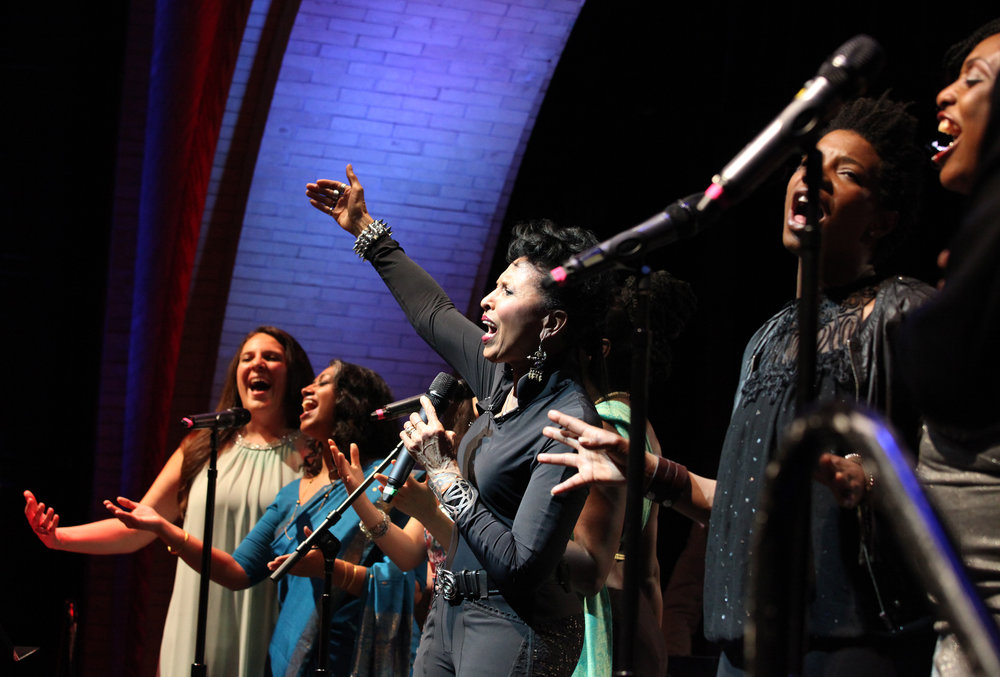 HarlemStage – Nona Hendryx's  Parallel Lives: Billie Holiday & Edith Piaf  / Photo: Janette Beckman
