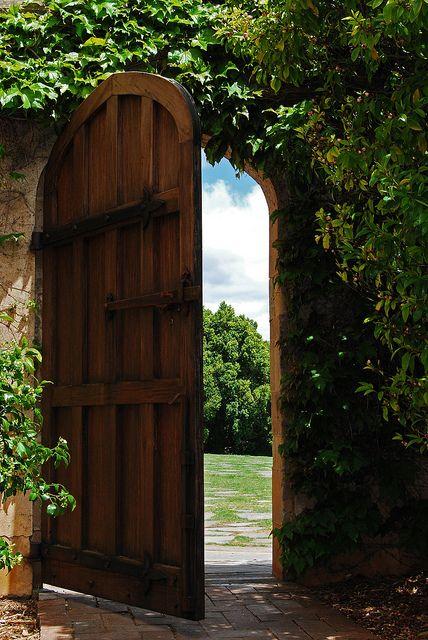 251470977a64b8574c84892a9694d809--the-secret-garden-secret-gardens.jpg