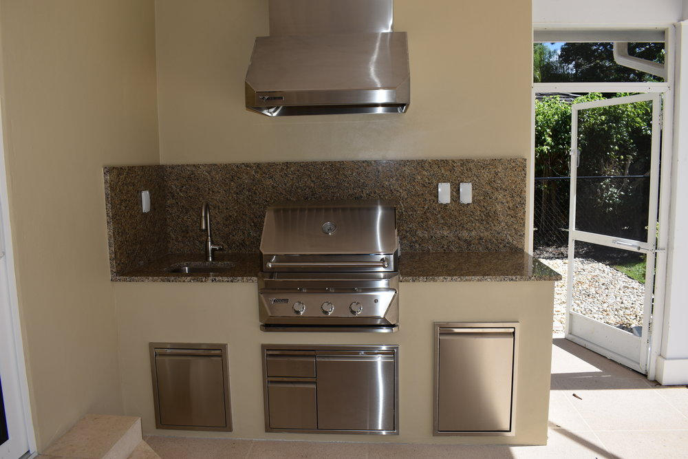 Custom Straight Build with Stucco, Granite & Hood