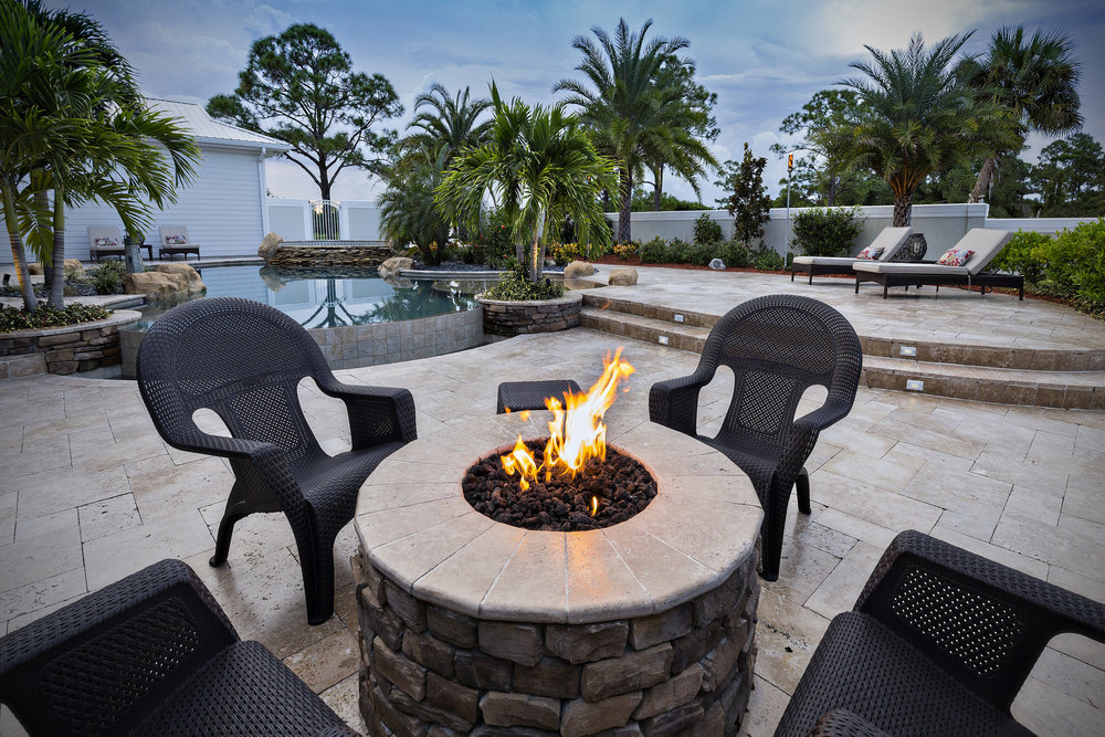 Custom Round Gas Firepit w/ Stacked Stone