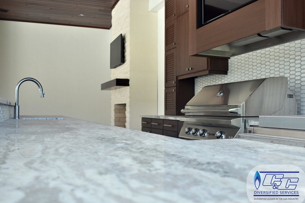 NatureKast Weatherproof Cabinetry - Granite Countertop with Backsplash