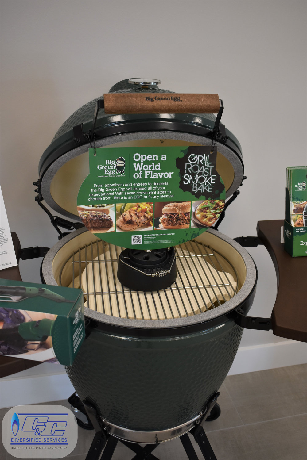 Big Green Egg Kamado Grill