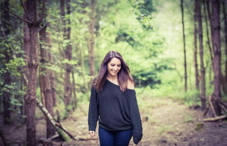 Abby Marshall - Singer