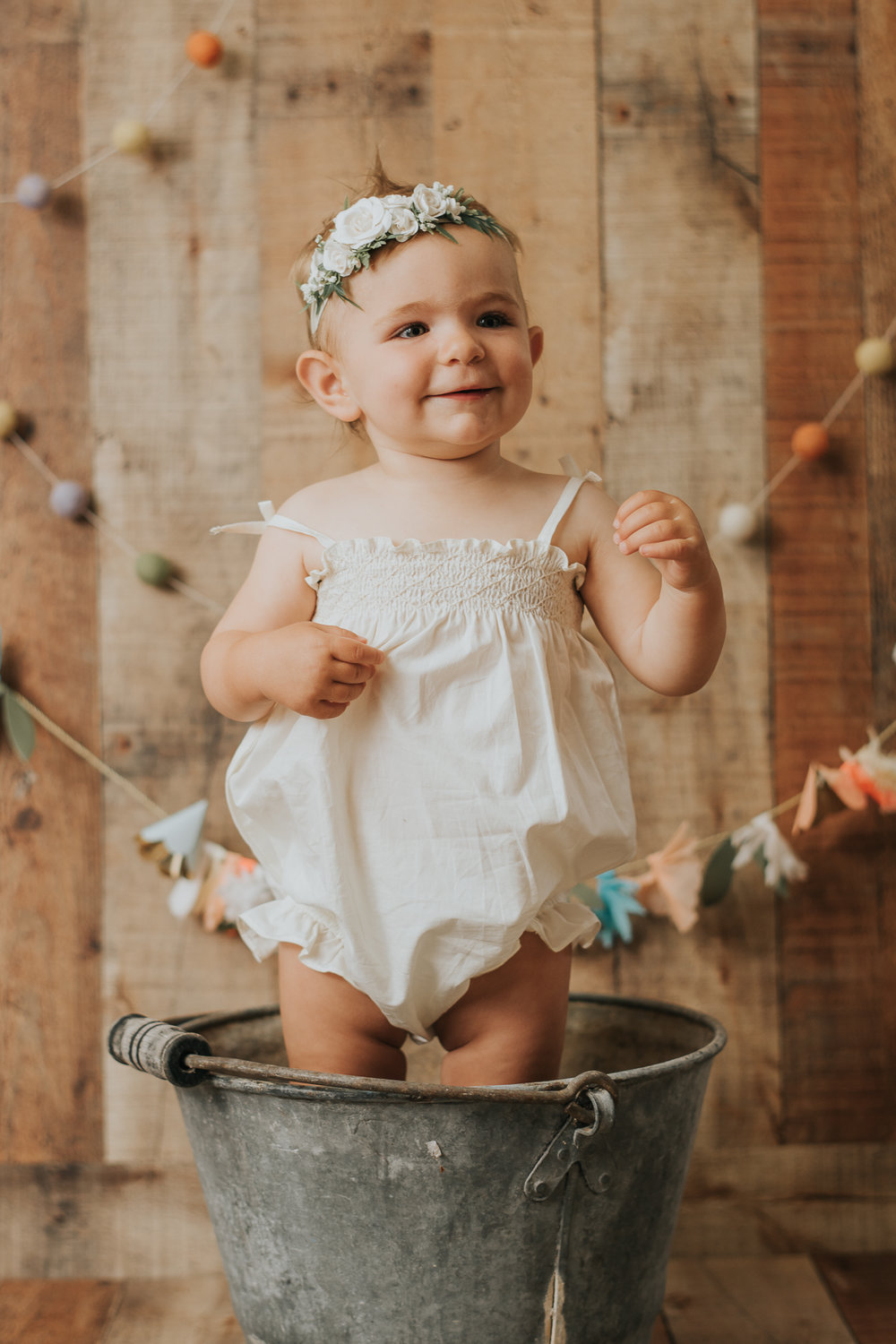 monterey family photographer first year cake smash monterey