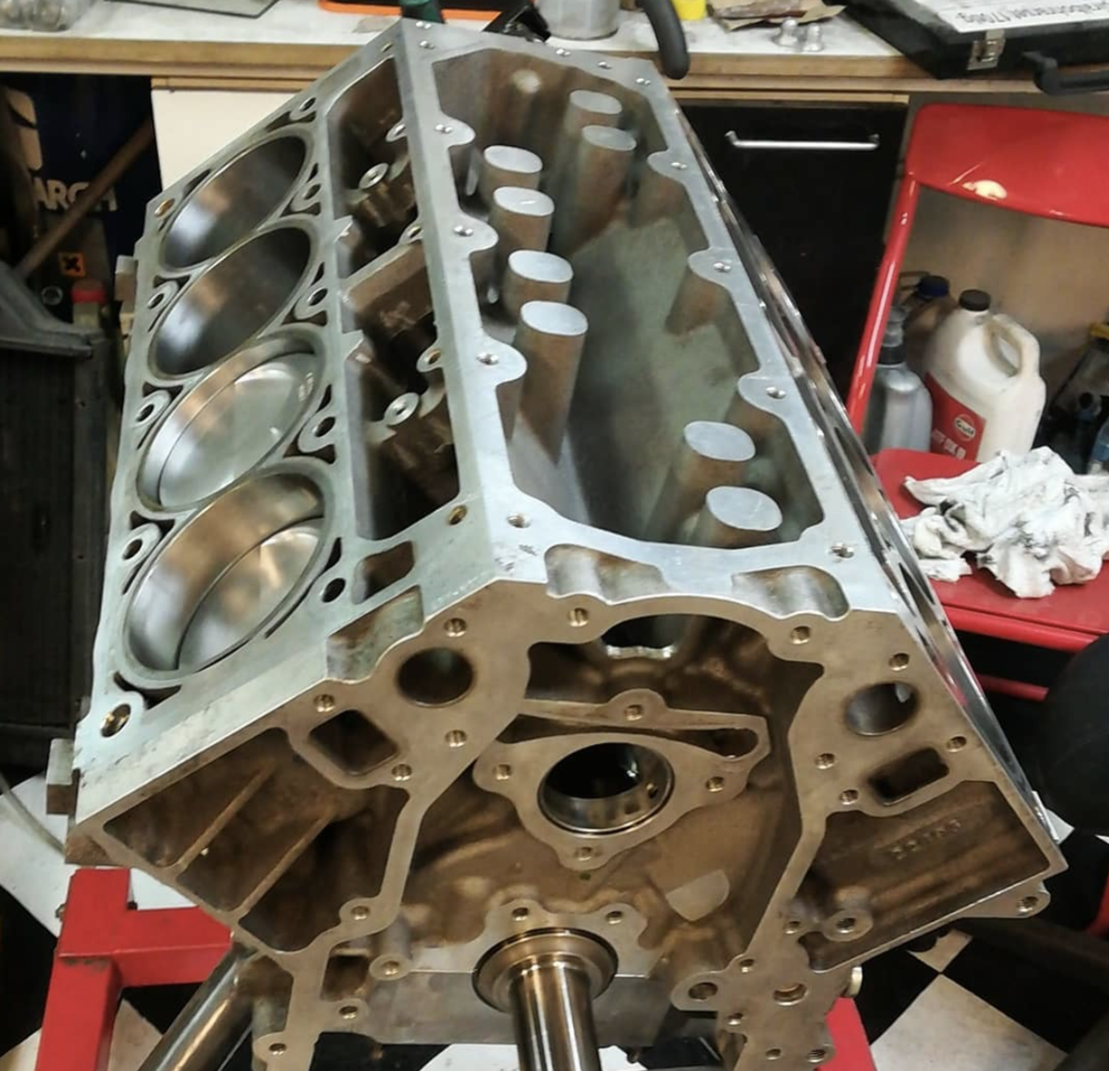 Assembled LS7 short block with Wiseco forged piston, Eagle forged rods, and a Lunati billet crankshaft.