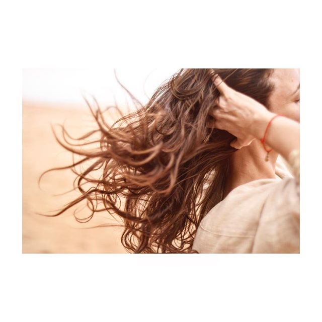 ✨Wednesday Hair Care Tip✨ Start the day off AU NATUREL- Using natural beauty products and hair care products is a great start, but what about giving your hair a rest from all of the styling? Winter is drying enough for the hair due to cold weather and heaters!  Maybe try 1 day of letting your hair be all natural. Afterall, our hair needs self care too!💆🏻♀️ Photo by @pearlygatemusic . . . . . . . . . .  #naturalbeauty #hair #ritual #haircaretips  #naturalhairproducts #nochemicals #ecofriendlyproducts #nontoxicliving #naturalbeautyproducts #sustainablebeauty #hairrepair #greenbeautyproducts #haircareroutine #organicsalon #healthyscalp #consciousbeauty #hairgrowthoil #hairoils #lowimpactlifestyle #crueltyfreehair #earthconscious #naturalhairproduct #overprocessed #hairstylingproducts #sustainablehaircare #hairritual #latierrasagrada #hairemony