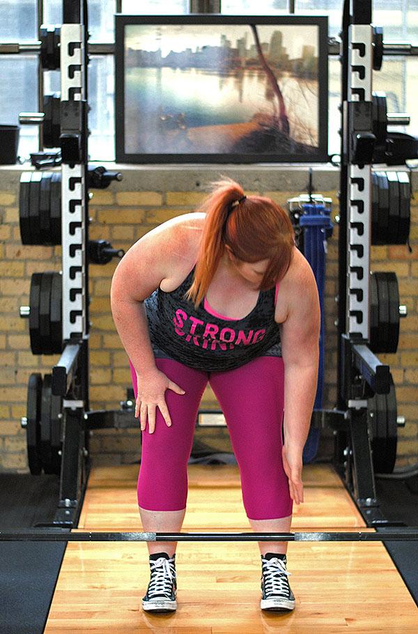 Tiffany preparing to dead lift
