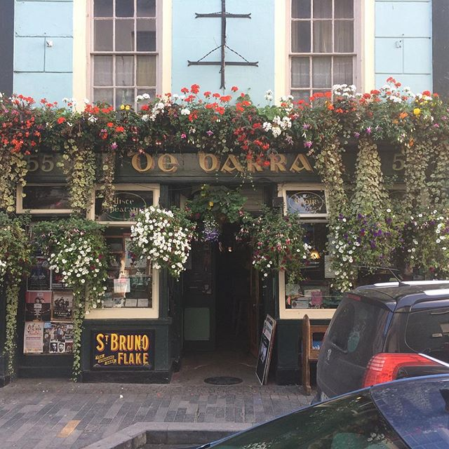 Playing tonight in the beautiful @debarras_clonakilty. Doors at 9:15. They made us soup :)