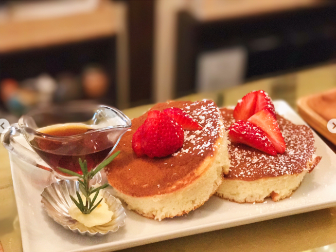 Hot Cakes - Light & fluffy Japanese style pancakes, with specialty butter and toppings. Enjoy
