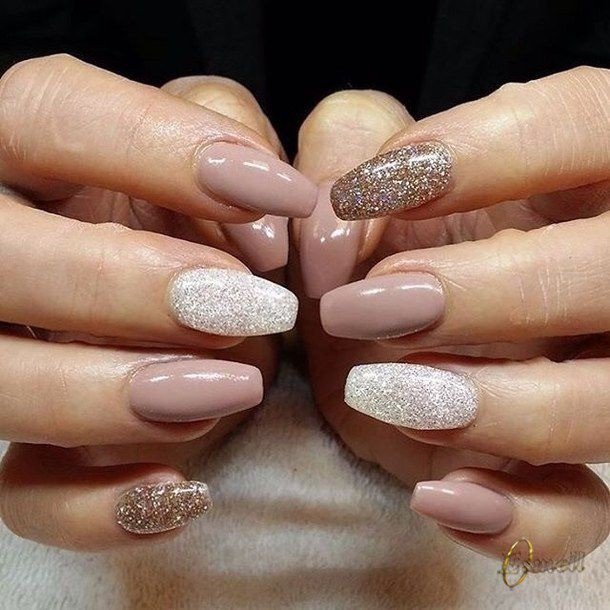 Different options of nude nails  #Esmell #EsmellMiami #Esmell #nudenails #nude #nails