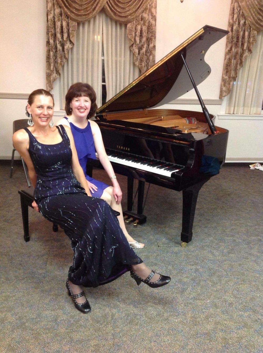 sheppard sisters bank concert #1.JPG