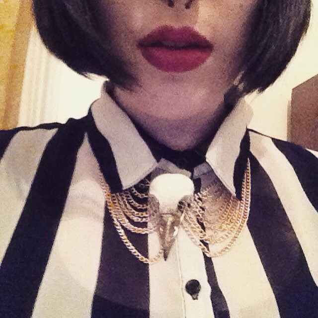 gold magpie necklace.jpg