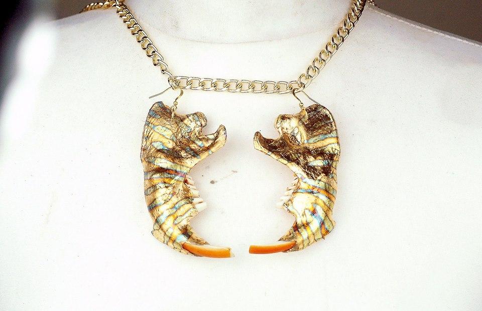 Blue Variegated Gold LEaf Beaver Jaw Earrings.jpg