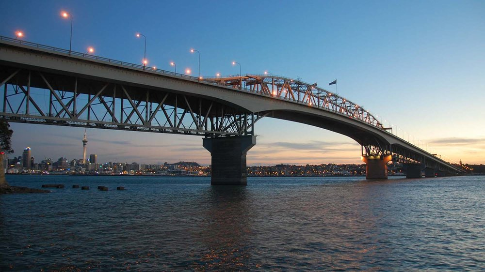 Auckland_Harbour_Bridge_Sunset.jpg