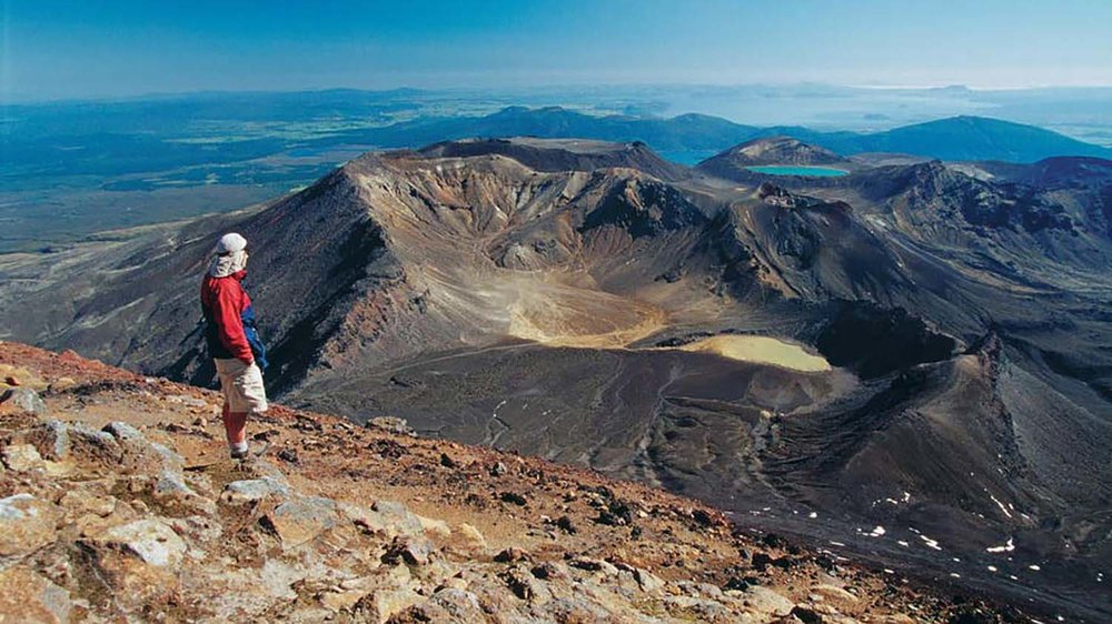tongariro-alpine-crossing.jpg