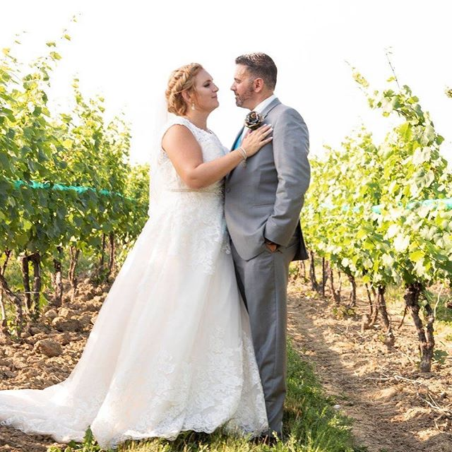 I think this is the last summery weekend we will have for awhile so I'll leave you with this sunny photo of one of my June brides. It was a scorcher of a day, but any picture in vineyards are worth it!  Photo: @amvweddings • • • • #hairstyles #hairfashionandbridal #vineyard #bride #fishtailbraid #updo