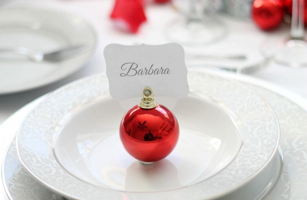Esfera roja para asignar lugares en la mesa
