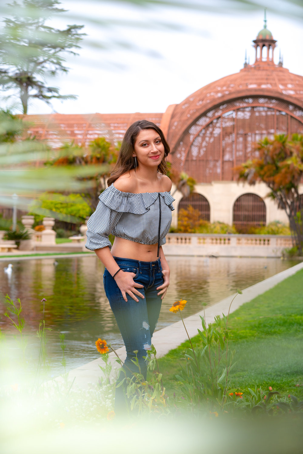 Standard Session - 60 minute session including posed and candid looks + 1 outfit change. (ie. cap & gown, dress or casual outfit)Balboa Park, Presidio Park, the Beach or your University campus.Includes:15 digital images printable up to 11 x 14(5) 8 x 10 prints$420 (50% due at booking)