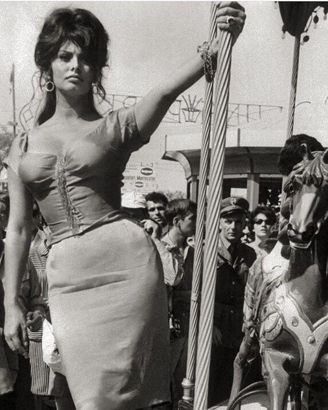 Sophia Loren #Inspiration 💘Book your wax with link in bio👆🏼