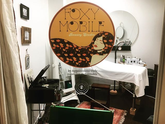 A peak inside the studio. ✨🍑 Book online!