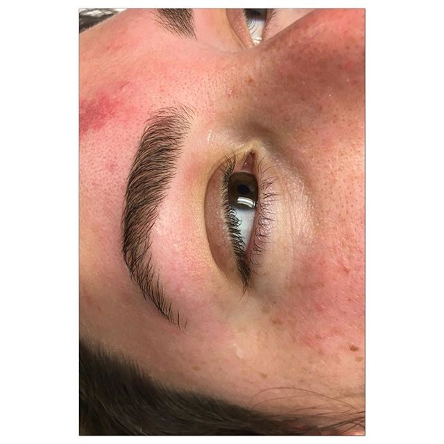 Bold and full! Beautiful brows on my client today. No makeup. ♦️