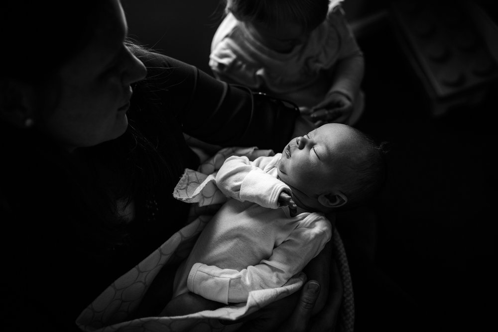 Lehigh-Valley-Documentary-Newborn-Photographer_0037.jpg