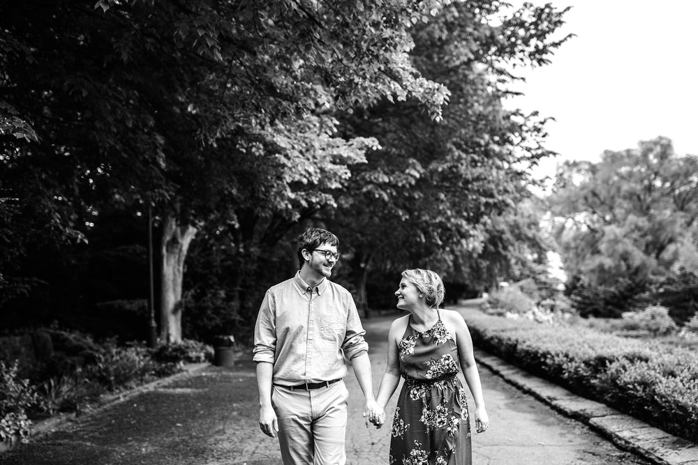 NYC-Engagement-Session-Tryon-Park_0003.jpg