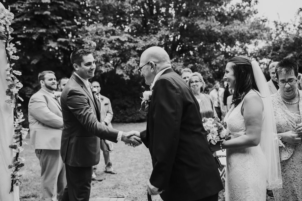 Bucks-County-Wedding-Photographer_0070.jpg