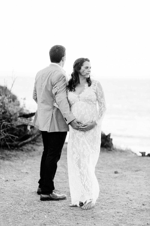 Mackenzie&VinnyMaternityPhotos-RedondoBeachPhotographerLauraPedrino-284.jpg