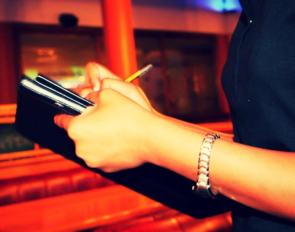 bar-1238779_1920.jpg