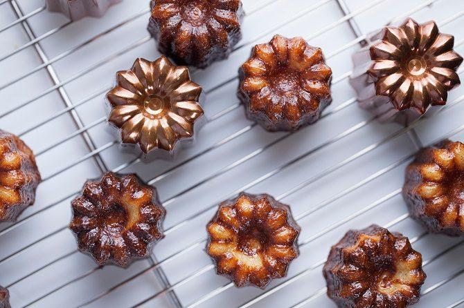 source: https://www.chowhound.com/food-news/217387/what-are-caneles