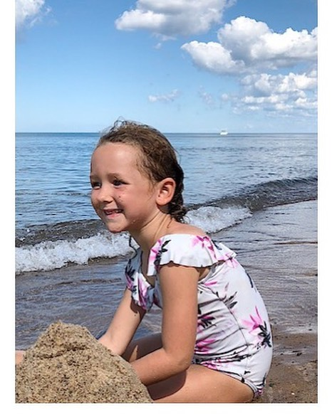 Sunday Sunshine⠀⠀⠀⠀⠀⠀⠀⠀⠀⠀ ⠀⠀⠀⠀⠀⠀⠀⠀⠀⠀ ⠀⠀⠀⠀⠀⠀⠀⠀⠀⠀ ⠀⠀⠀⠀⠀⠀⠀⠀⠀⠀ ⠀⠀⠀⠀⠀⠀⠀⠀⠀⠀ ⠀⠀⠀⠀⠀⠀⠀⠀⠀⠀#puremichigan #lakelife #instagood #lakemichigan #unionpier #nature #naturallight #photooftheday #instadaily #beach #kidsstyle #girlsstyle #kidsofinstagram #bluesky #gorgeous #oneil #feelslikefreedom