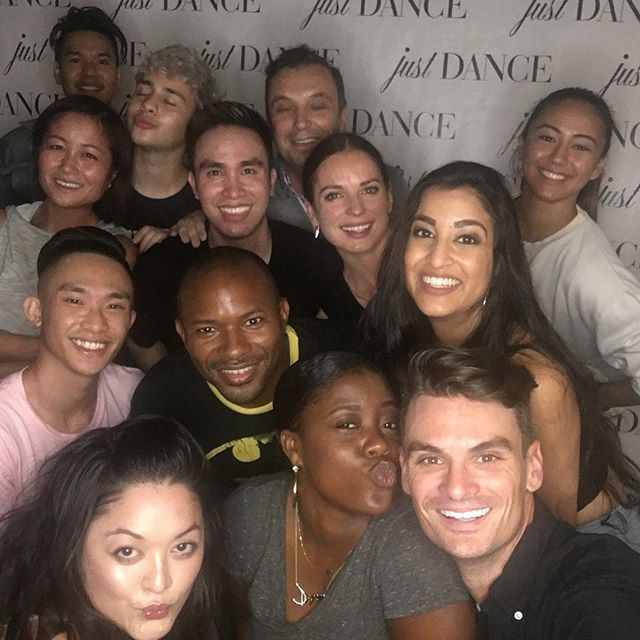 Loved having the staff and clients of @barrysbootcamp come for a #salsa session with our owner @julztocker you guys killled it! And learnt so fast! Can't wait to see you next month for our next class!! #dance #studiocity #fitness #fitfam #dancefam #partnering #danceclass #privatelessons #tango #zouk #swing #ballroom #latin