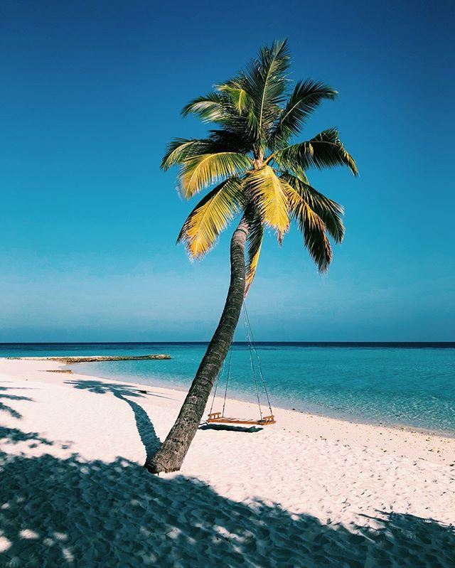 Beach O'Clock 😎  #DriftRetreat #Maldives