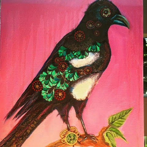 <strong>Magpie with Magic Ring</strong>