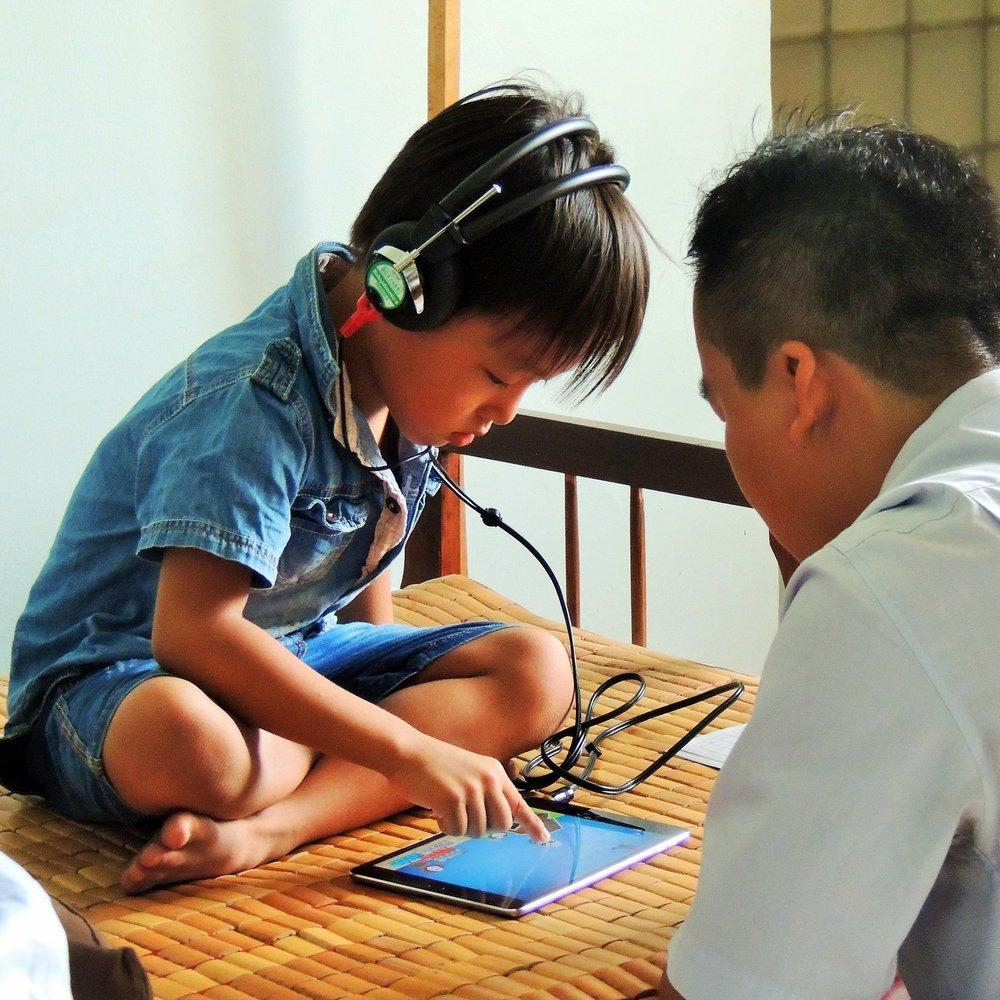 Qualité des soins  Nous fournissons des appareils auditifs numériques de haute qualité et un suivi pour garantir la qualité des soins dans la durée.