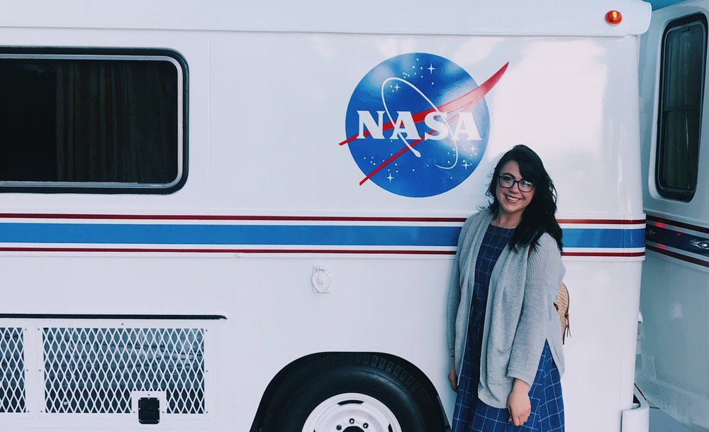 Of course i had to get a picture in-front of the retro NASA van.