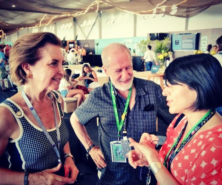 Directora de Costa Rica Limpia, Mónica Araya, estuvo casi un mes en Chile. Participó en diferentes eventos y reuniones con personas de gobierno, sector privado y sociedad civil. En la foto, con la ministra de transportes y telecomunicaciones de Chile, Gloria Hutt.