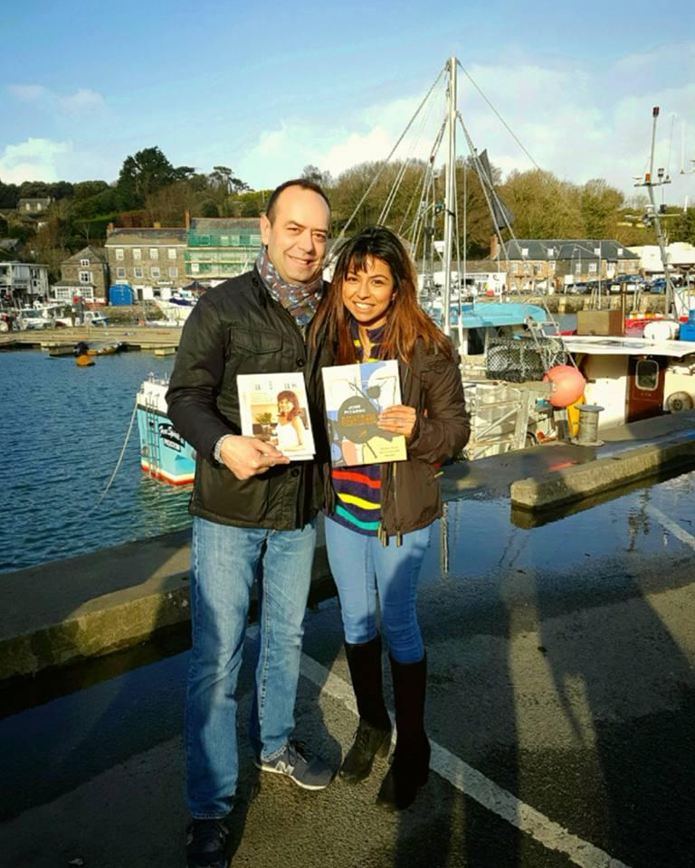 Anneeka with her favourite Spanish chef & restaurateur José Pizarro exchanging cookbooks
