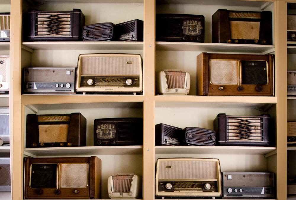 003.vintage-music-business-shop.jpg