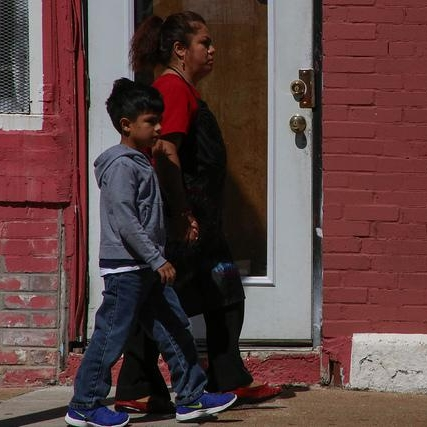 """Study: Children of Immigrants Experience Discrimination in Schools Early On - Fewer options for preschool, inexperienced teachers and low-performing schools are just some of the disadvantages children of immigrants face early in their education, a new Migration Policy Institute report points out. The report, """"The Impact of Discrimination on the Early Schooling Experiences of Children from Immigrant Families,"""" examines the school environments and learning opportunities afforded to children of immigrants in the United States, comparing them with the experiences of their peers with U.S.-born parents.EDUCATION WRITER'S ASSOCIATION – SEPTEMBER 2015"""