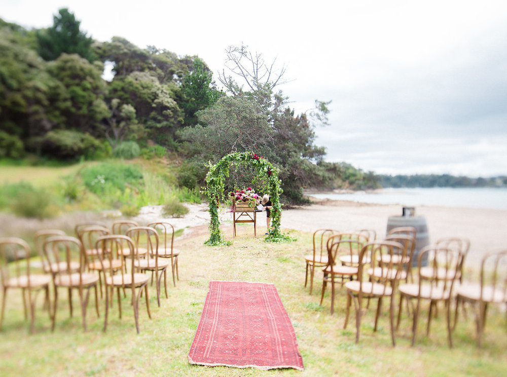 bubblerock_weddingphotography_waihekeisland_0009.jpg